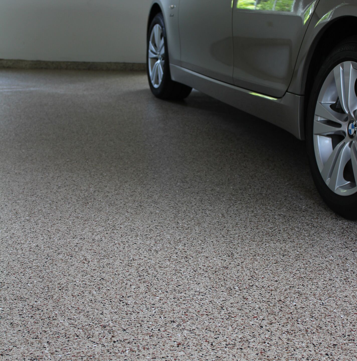 chip garage floor with epoxy